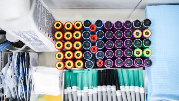Các ống chân không để xét nghiệm tìm kháng thể với virus SARS-CoV-2. - Sputnik Việt Nam