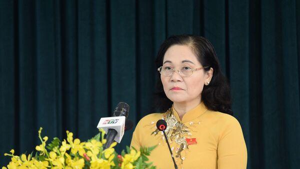 Bà Nguyễn Thị Lệ, Chủ tịch HĐND Thành phố phát biểu tại phiên khai mạc. - Sputnik Việt Nam