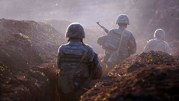 Quân đội Armenia chiếm vị trí trên chiến tuyến ở vùng Tovuz, Armenia - Sputnik Việt Nam