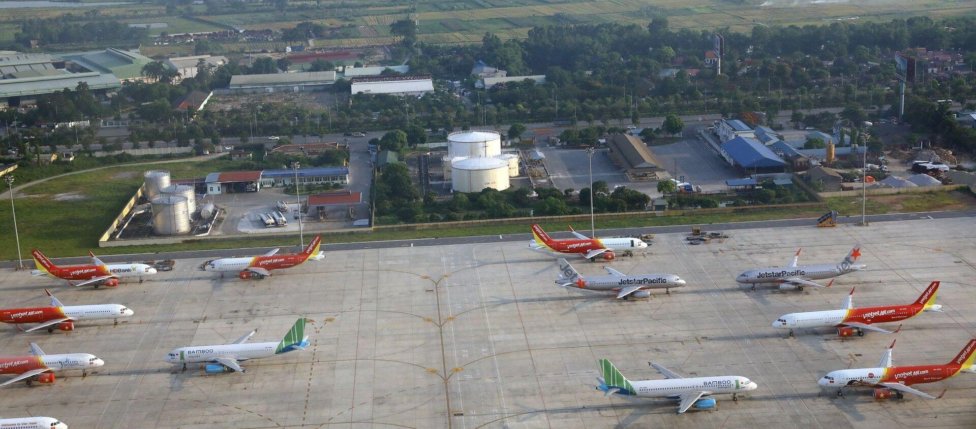 Máy bay của các hãng hàng hàng không đậu tại sân bay Nội Bài. - Sputnik Việt Nam, 1920, 24.07.2020