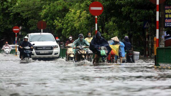 Mưa lớn gây ngập tại tổ 19, phường Tiền Phong, thành phố Thái Bình - Sputnik Việt Nam