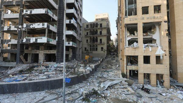 Quang cảnh đường phố Beirut sau vụ nổ ở cảng - Sputnik Việt Nam