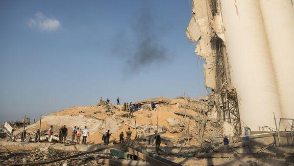Tòa nhà trữ vật liệu bị phá hủy ở cảng Beirut - Sputnik Việt Nam