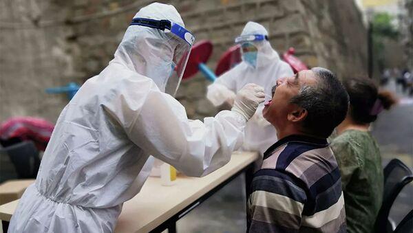Các xét nghiệm tìm coronavirus ở Urumqi, Trung Quốc - Sputnik Việt Nam
