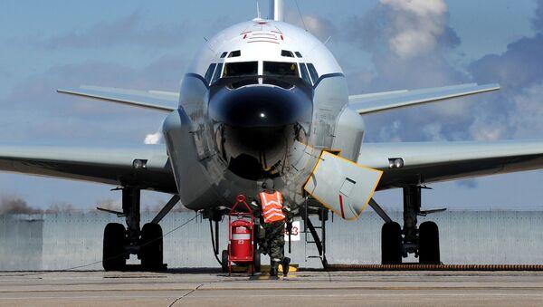 Máy bay trinh sát điện tử của Không quân Mỹ RC-135V / W Rivet Joint - Sputnik Việt Nam