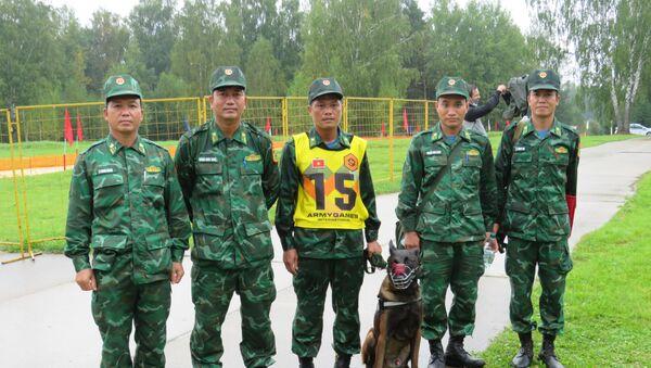 Huấn luyện viên trưởng đội Việt Nam tại cuộc thi Người bạn trung thành - Sputnik Việt Nam
