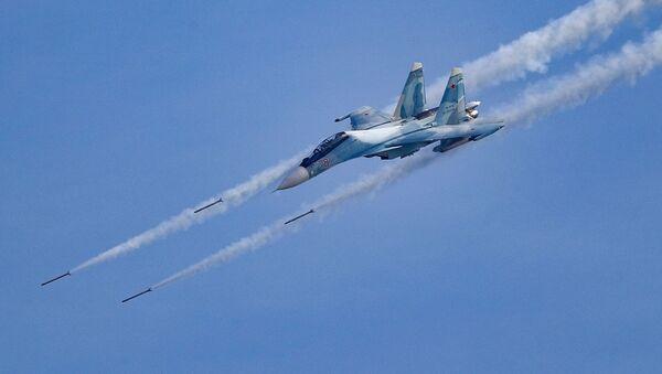Không chiến và những cuộc tấn công tên lửa quy mô lớn nhằm vào các mục tiêu mặt đất tại Army-2020 Aviadarts. - Sputnik Việt Nam