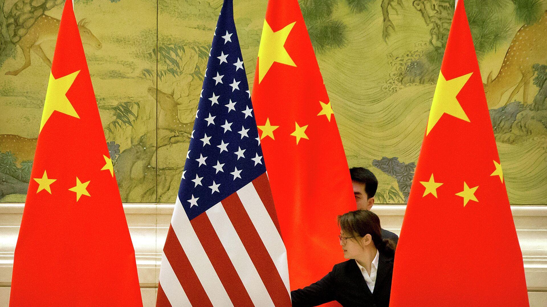 Cờ của Trung Quốc và Hoa Kỳ - Sputnik Việt Nam, 1920, 20.09.2021