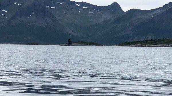 Tàu USS Seawolf của Hải quân Hoa Kỳ dừng ngoài khơi bờ biển Tromso, Na Uy - Sputnik Việt Nam