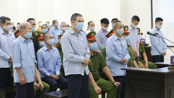 Các bị cáo tại phiên tòa - Sputnik Việt Nam