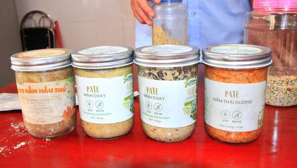 Nhiều loại nấm pate Minh Chay được Chi cục ATVS TP tỉnh Hà Tĩnh thu hồi - Sputnik Việt Nam