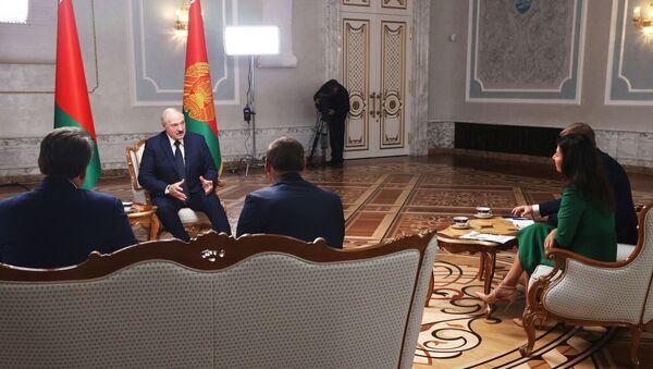 Tổng thống Belarus A. Lukashenko trả lời phỏng vấn các nhà báo Nga - Sputnik Việt Nam