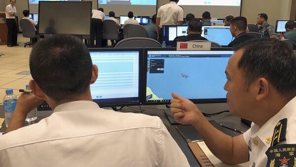Hải quân Trung Quốc mô phỏng một tình huống ứng phó khẩn cấp trên Biển Đông. - Sputnik Việt Nam
