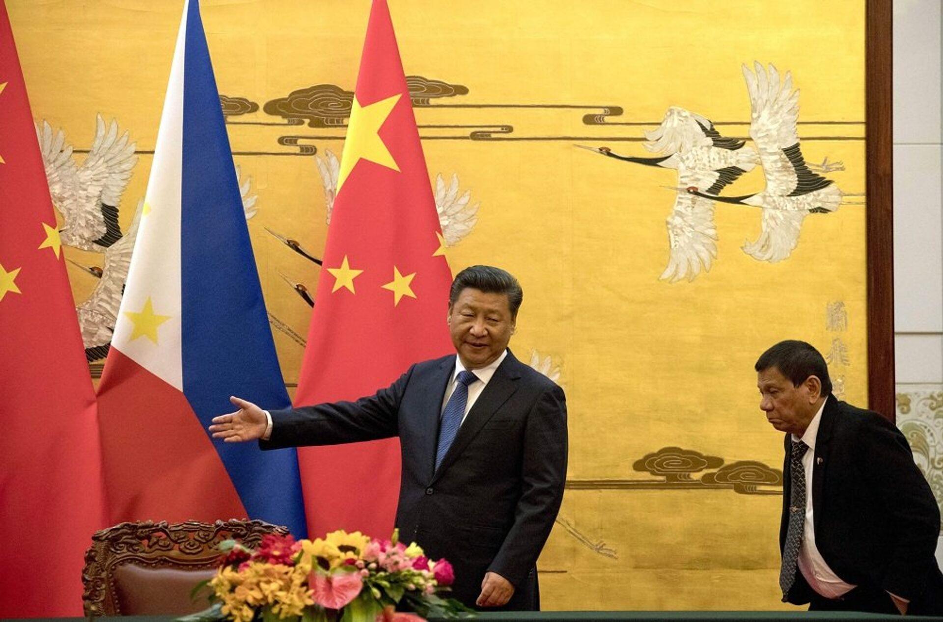 Nhà xã hội chủ nghĩa người Philippines đề xuất theo đuổi chính sách độc lập với Washington và Bắc Kinh - Sputnik Việt Nam, 1920, 26.03.2021