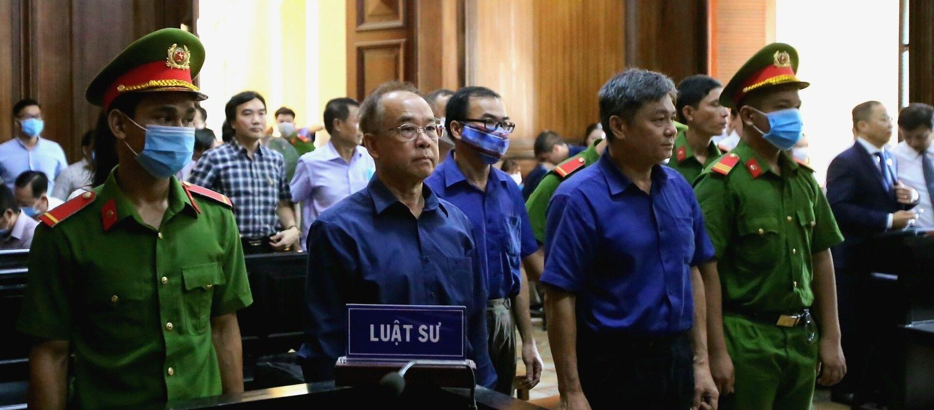 Các bị cáo Nguyễn Thành Tài, Trương Văn Út, Đào Anh Kiệt (từ trái qua) tại phiên tòa ngày 17/9/2020. - Sputnik Việt Nam, 1920, 05.10.2020