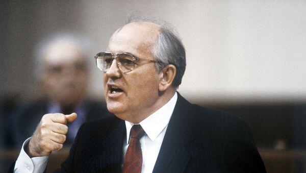 Tổng Bí thư Ban Chấp hành Trung ương Đảng, Chủ tịch Đoàn Chủ tịch Xô Viết Tối cao Liên Xô Mikhail Gorbachev phát biểu tại Đại hội Đại biểu Nhân dân Liên Xô lần thứ I, năm 1989 - Sputnik Việt Nam
