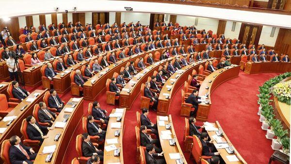 Các đồng chí lãnh đạo Đảng, Nhà nước và các đại biểu dự bế mạc Hội nghị Trung ương lần thứ mười ba. - Sputnik Việt Nam