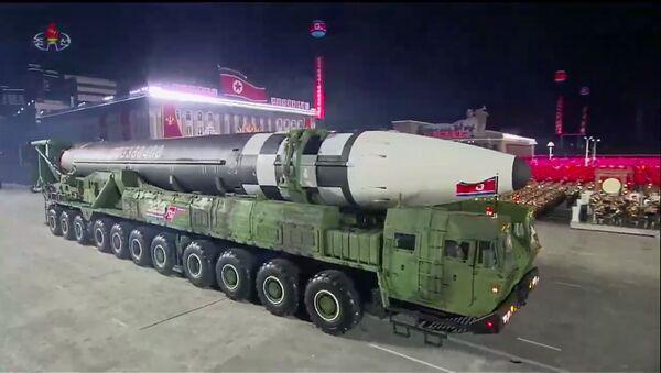 Bắc Triều Tiên phô trương tên lửa đạn đạo xuyên lục địa mới. - Sputnik Việt Nam