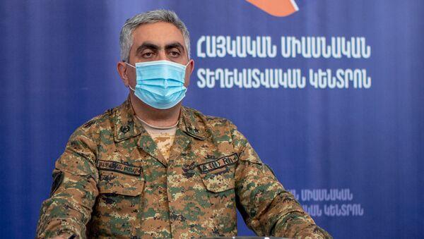 Ông Artsrun Ovannisyan đại diện Bộ Quốc phòng Armenia. - Sputnik Việt Nam