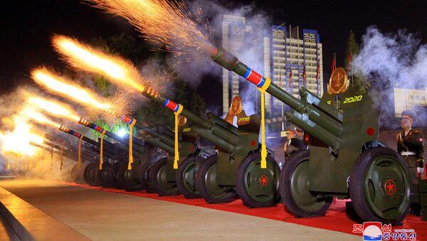 Lễ duyệt binh nhân kỷ niệm 75 năm thành lập Đảng Lao động Triều Tiên. - Sputnik Việt Nam