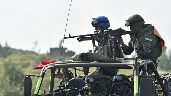 Lính Đài Loan vận hành súng máy - Sputnik Việt Nam