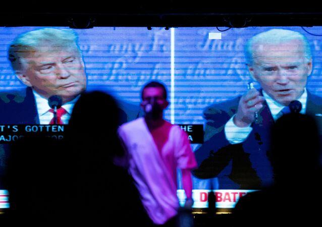 Phát sóng cuộc tranh luận cuối cùng giữa Tổng thống Hoa Kỳ Donald Trump và cựu Phó Tổng thống Joe Biden