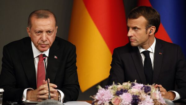 Macron và Erdogan - Sputnik Việt Nam