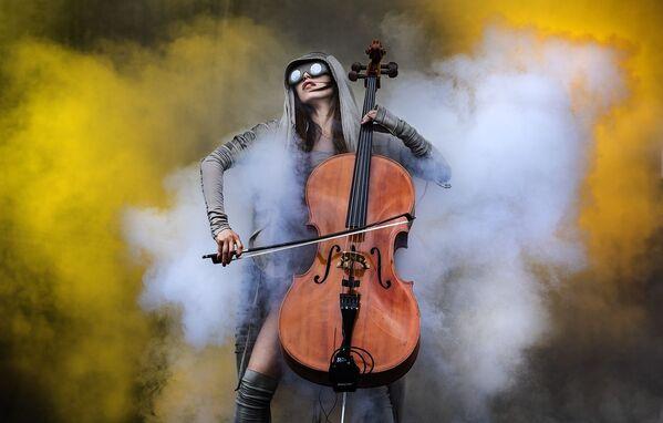 Elements của nhiếp ảnh gia Anh Katja Ogrin, được vinh danh là Nhiếp ảnh gia của năm trong hạng mục Sự kiện chuyên nghiệp tại International Photography Awards 2020 - Sputnik Việt Nam