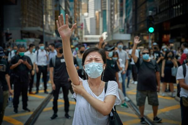 Các cuộc biểu tình cho dân chủ, Hồng Kông: Cuộc cách mạng của thời đại chúng ta của nhiếp ảnh gia Pháp Kiran Ridley, Ảnh biên tập / Nhiếp ảnh gia báo chí chuyên nghiệp của năm tại   International Photography Awards 2020 - Sputnik Việt Nam