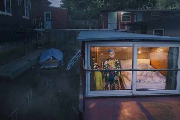 Looking Out from Within, 2020, tác giả người Anh Julia Fullerton-Batten, trở thành Nhiếp ảnh gia nghệ thuật chuyên nghiệp của năm trong International Photography Awards 2020 - Sputnik Việt Nam