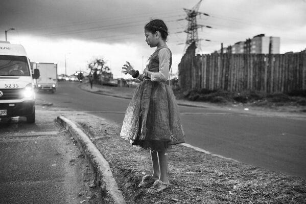 """Nhiếp ảnh gia Colombia Nicolo Filippo Rosso với tác phẩm """"Exodus"""", Nhiếp ảnh gia của năm ở hạng mục Chuyên gia góc nhìn sâu tại International Photography Awards 2020 - Sputnik Việt Nam"""