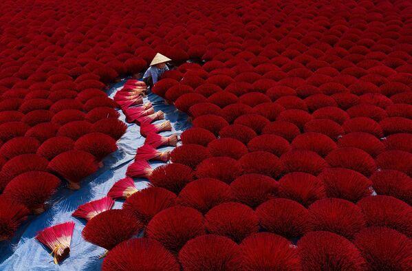 """Bức ảnh chụp """"Sắc màu của những ngôi làng truyền thống Việt Nam"""", nhiếp ảnh gia Việt Nam Phan Khánh, người chiến thắng hạng mục Truyền thống / Văn hóa tại International Photography Awards 2020 - Sputnik Việt Nam"""