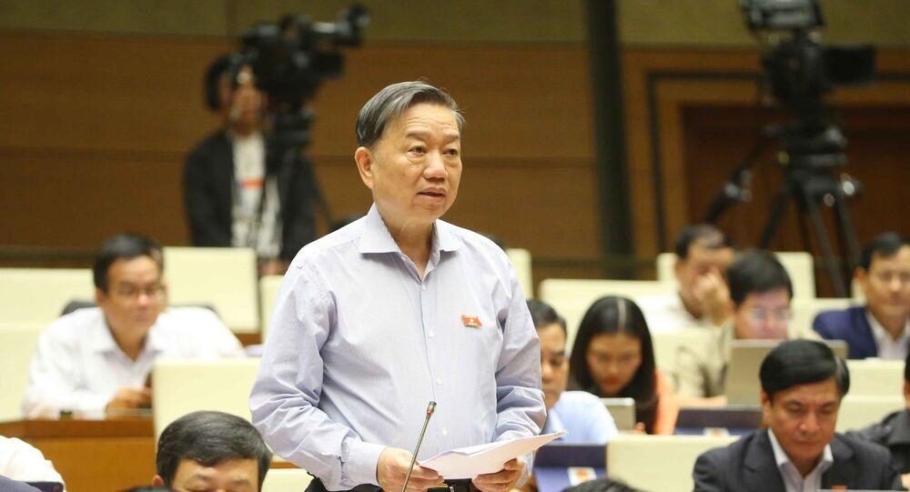 Đại tướng Tô Lâm, Bộ trưởng Bộ Công an trả lời câu hỏi chất vấn.
