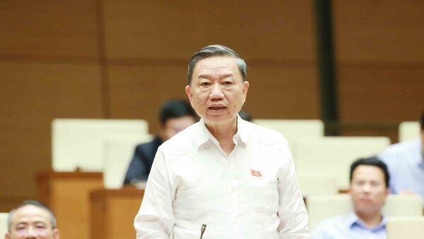 Đại tướng Tô Lâm, Bộ trưởng Bộ Công an trả lời chất vấn của đại biểu Quốc hội. - Sputnik Việt Nam