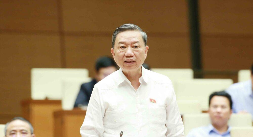 Đại tướng Tô Lâm, Bộ trưởng Bộ Công an trả lời chất vấn của đại biểu Quốc hội.