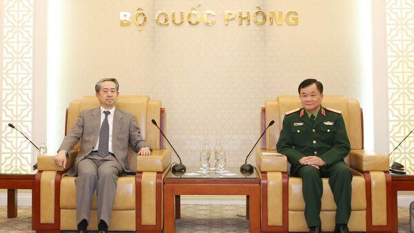 Thứ trưởng Bộ Quốc phòng Hoàng Xuân Chiến tiếp Đại sứ Trung Quốc - Sputnik Việt Nam