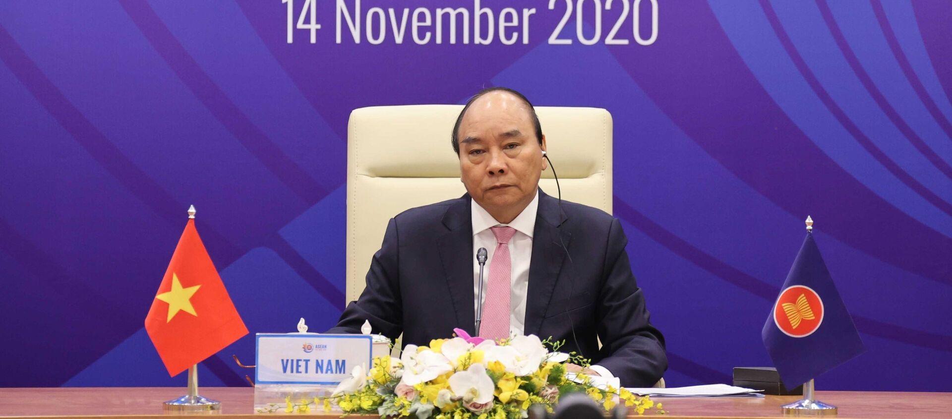 Thủ tướng Nguyễn Xuân Phúc, Chủ tịch ASEAN 2020 chủ trì Hội nghị Cấp cao ASEAN - Hoa Kỳ lần thứ 8 tại điểm cầu Hà Nội - Sputnik Việt Nam, 1920, 14.11.2020