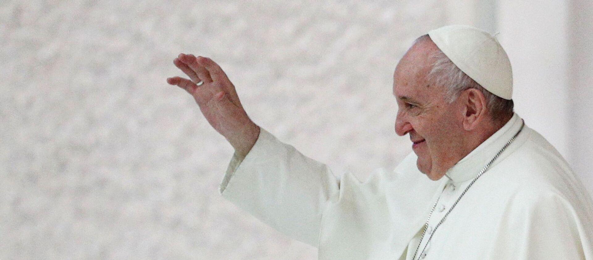 Giáo hoàng Francis sau buổi tiếp kiến hàng tuần tại Vatican - Sputnik Việt Nam, 1920, 15.11.2020