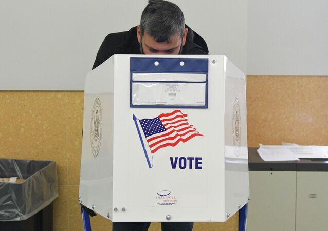 Bỏ phiếu trong cuộc bầu cử Tổng thống Mỹ 2020