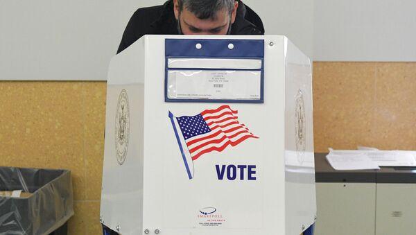 Bỏ phiếu trong cuộc bầu cử Tổng thống Mỹ 2020 - Sputnik Việt Nam