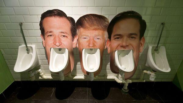 Chân dung Ted Cruz, Donald Trump và Marco Rubio trên bồn tiểu trong toilet ở quán rượu London - Sputnik Việt Nam