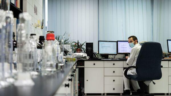 Vắc xin Sputnik V coronavirus của Nga được chuyển giao cho Hungary để thử nghiệm lâm sàng - Sputnik Việt Nam