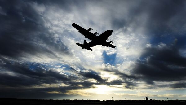 Máy bay vận tải quân sự C-130 Hercules của Không quân Mỹ. - Sputnik Việt Nam