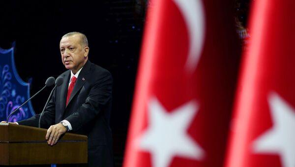 Tổng thống Thổ Nhĩ Kỳ Tayyip Erdogan phát biểu trong cuộc họp ở Ankara, Thổ Nhĩ Kỳ ngày 26 tháng 10 năm 2020 - Sputnik Việt Nam