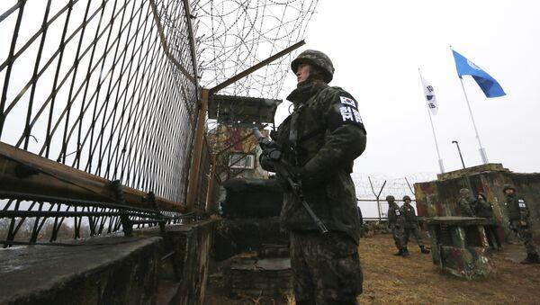 Người lính Hàn Quốc gần biên giới với CHDCND Triều Tiên - Sputnik Việt Nam