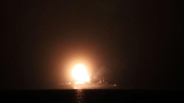 Phóng tên lửa siêu thanh Zircon từ khinh hạm Đô đốc Gorshkov ở Bắc Băng Dương. - Sputnik Việt Nam
