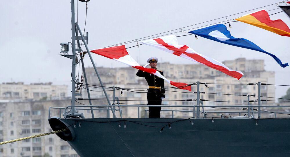 Quân nhân trên tàu thuộc Hạm đội Biển Đen của Hải quân Nga ở Sevastopol