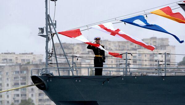 Quân nhân trên tàu thuộc Hạm đội Biển Đen của Hải quân Nga ở Sevastopol - Sputnik Việt Nam
