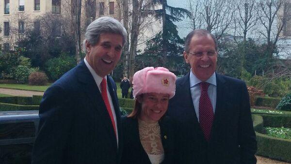 Bộ trưởng Ngoại giao Hoa Kỳ John Kerry, người phát ngôn Bộ Ngoại giao Hoa Kỳ Jen Psaki và Bộ trưởng Ngoại giao Nga Sergei Lavrov - Sputnik Việt Nam