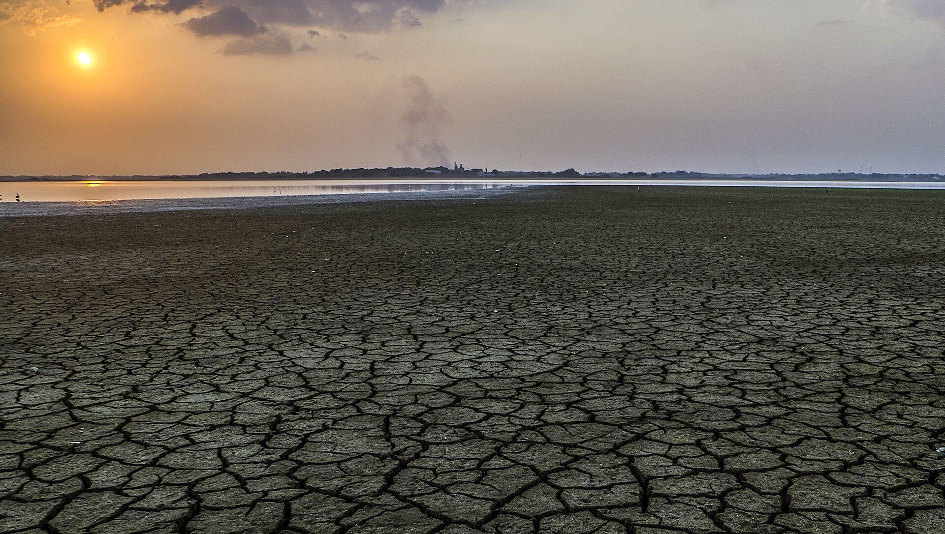 Hạn hán ở Colombia do trái đất nóng lên và ảnh hưởng của El Niño - Sputnik Việt Nam, 1920, 14.05.2021